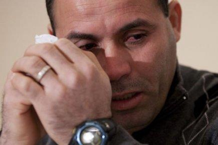 222682-mohamed-harkat-pleurs-lors-point